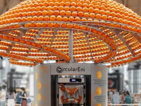 """Engenheiro italiano cria impressora 3D que faz suco e """"imprime"""" copos feitos com as cascas das laran"""