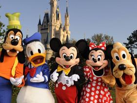 Disney proibiu canudos e agitadores de café de plástico, evitando a produção de 175 milhões de canud