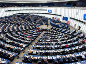 Parlamento europeu aprova de maneira esmagadora a proibição de plásticos descartáveis na União Europ