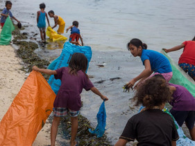 Conheça a vila nas Filipinas que troca lixo plástico por quilos de arroz