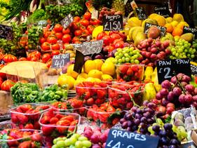 França é o primeiro país a exigir que todos os supermercados forneçam os alimentos descartados para