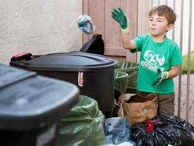 Conheça o menino de 7 anos que criou sua própria empresa de reciclagem