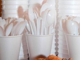 França, Índia e outros 8 países banem o uso de todas as formas de plástico descartável