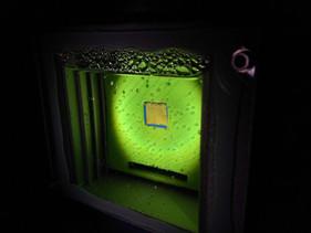 Cientistas desenvolveram folha artificial que pode transformar luz solar em alternativa sustentável