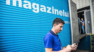 De fone de ouvido a geladeira: Magalu vai reciclar lixo eletrônico em parceria com a ABREE