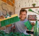 Após vencer o alcoolismo, gari brasileiro torna-se exemplo de reciclagem e cria canal no Youtube