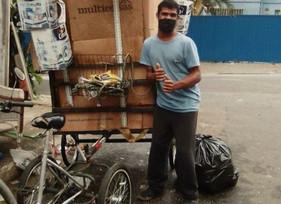 Grupo cria carroça elétrica para ajudar catadores de reciclagem com deficiências físicas