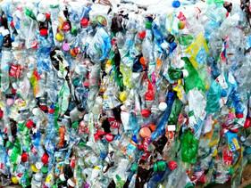Estudantes do MIT criaram um concreto feito à base de plástico reciclável mais resistente do que o c
