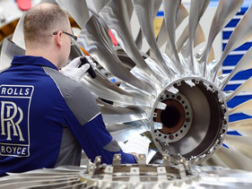Rolls-Royce testa turbinas de avião com combustível 100% renovável