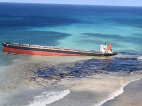 Quase todo o óleo que foi derramado na costa das Ilhas Maurício já foi bombeado