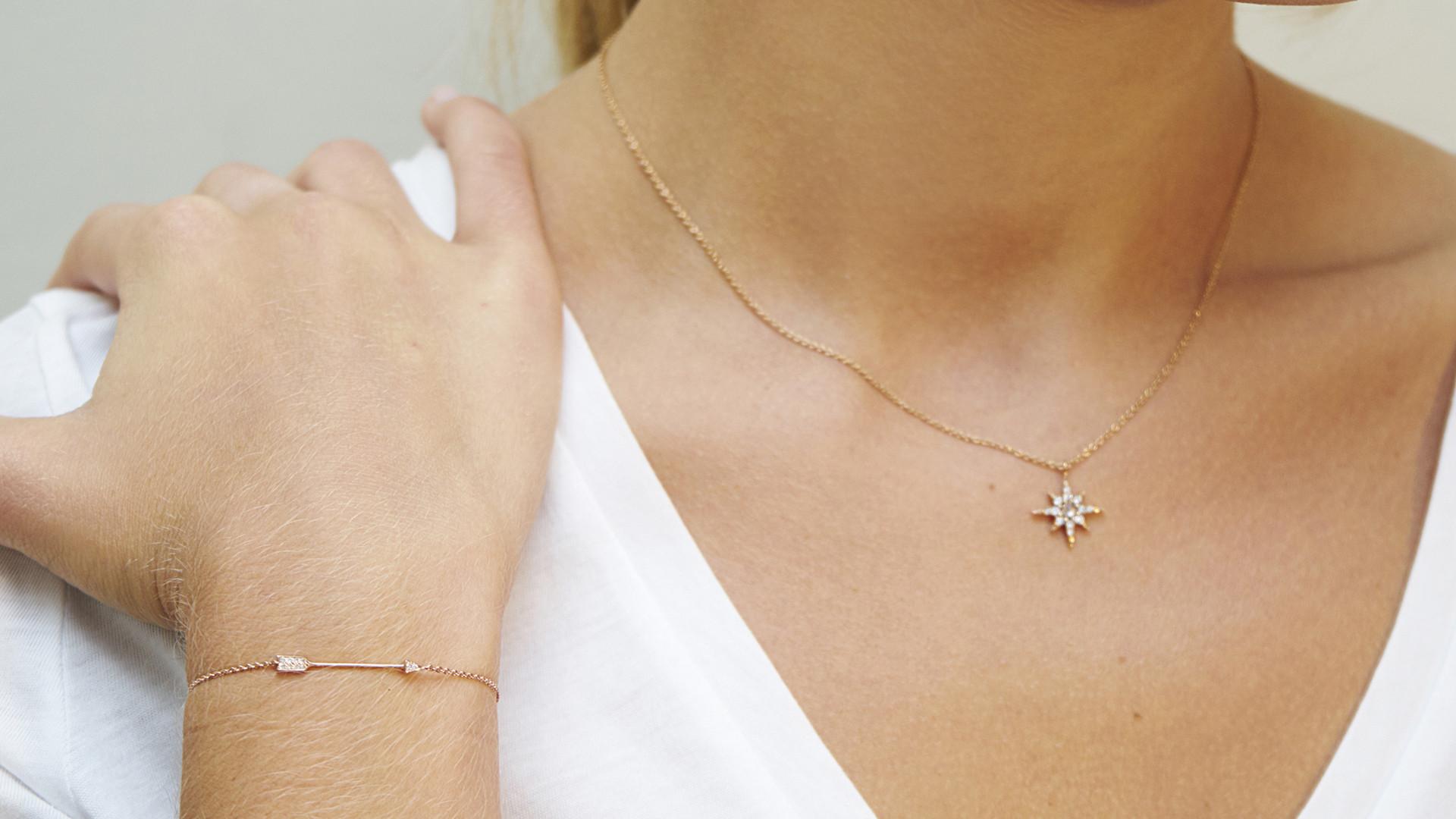 Main, Stella neckalce, Certus bracelet (