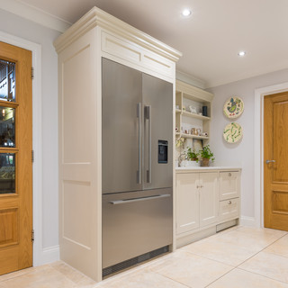 Double fridge with shaker style cabintry