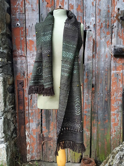 Intuitively handwoven Scarf