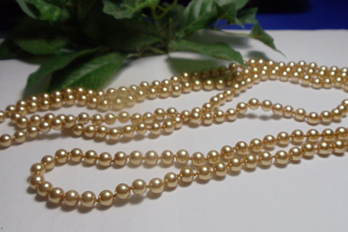 Vintage Jewelry: Golden Glow Rope Pearls