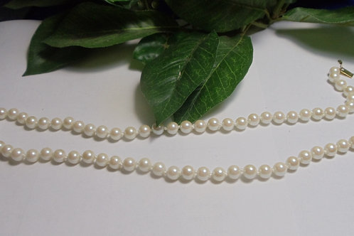 Vintage Necklace White Pearls 1940's