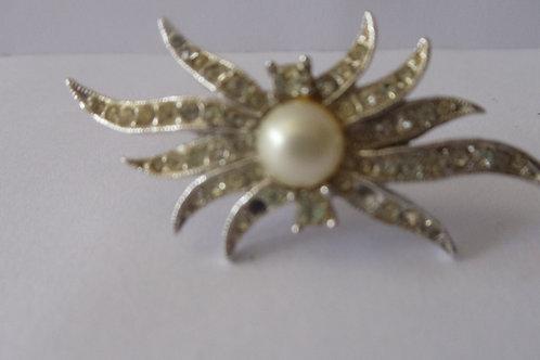 Pin Vintage Rhinestone Star and Pearl