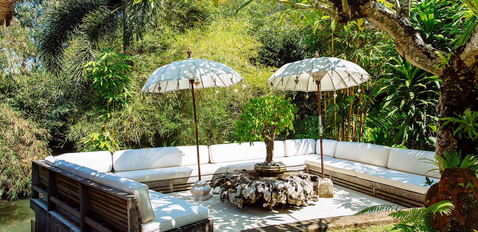 04-Villa Maya Retreat - Garden living ar
