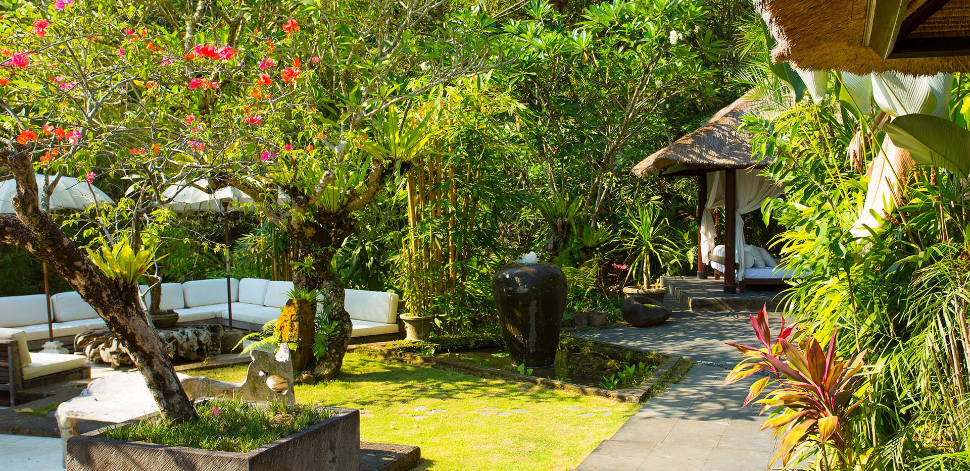 17-Villa Maya Retreat - Outside living a