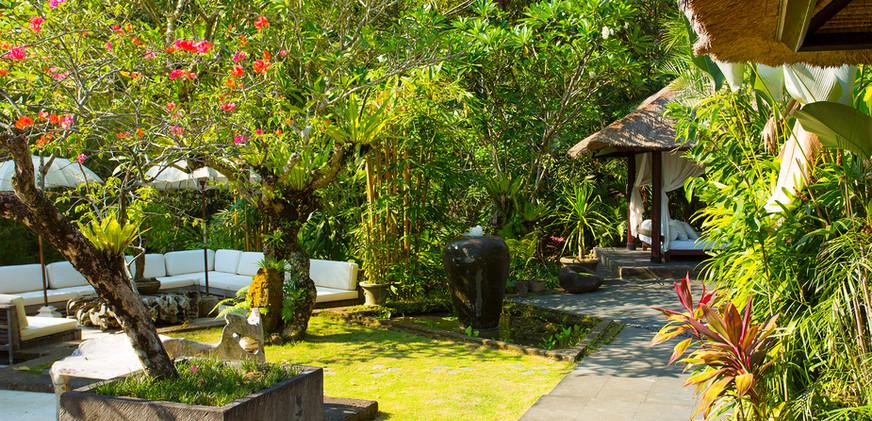 17-Villa Maya Retreat - Outside living a