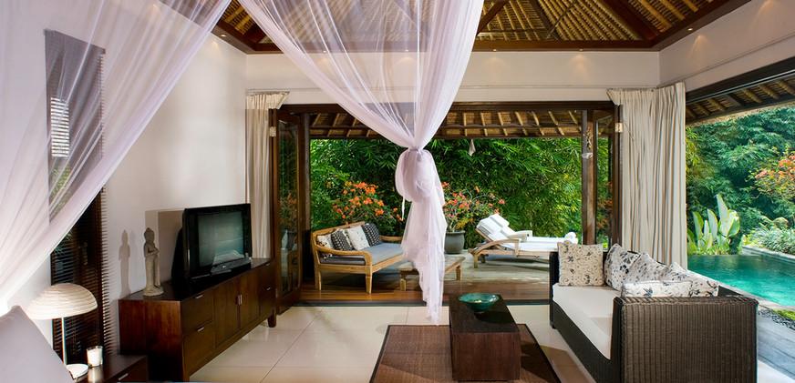09-Villa Maya Retreat - Master bedroom.j