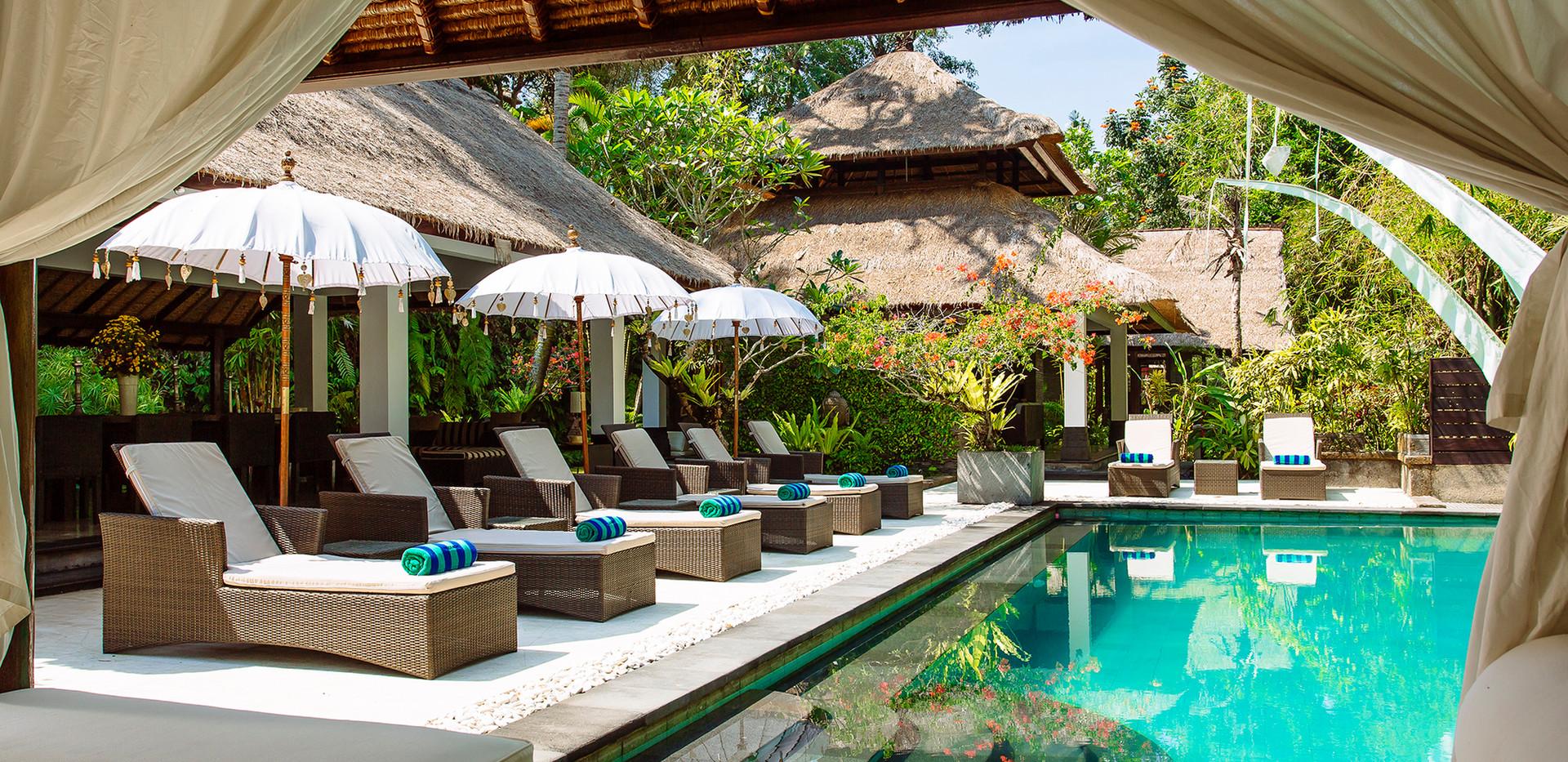 02-Villa Maya Retreat - Pool view within