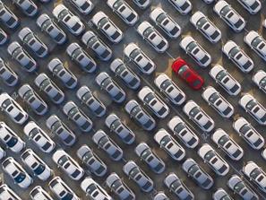 ONU pede que países desenvolvidos encerrem fabricação de carros a combustão em 2035