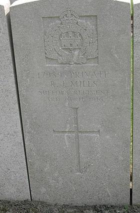 Mills, Robert James (17989) grave.jpg