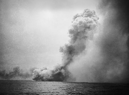 Destruction_of_HMS_Queen_Mary.jpg