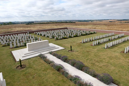 Bouzincourt-Ridge-Cemetery_2015-(2).JPG