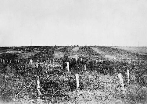 German_wire_at_Quéant_04-10-1918_IWM_CO_