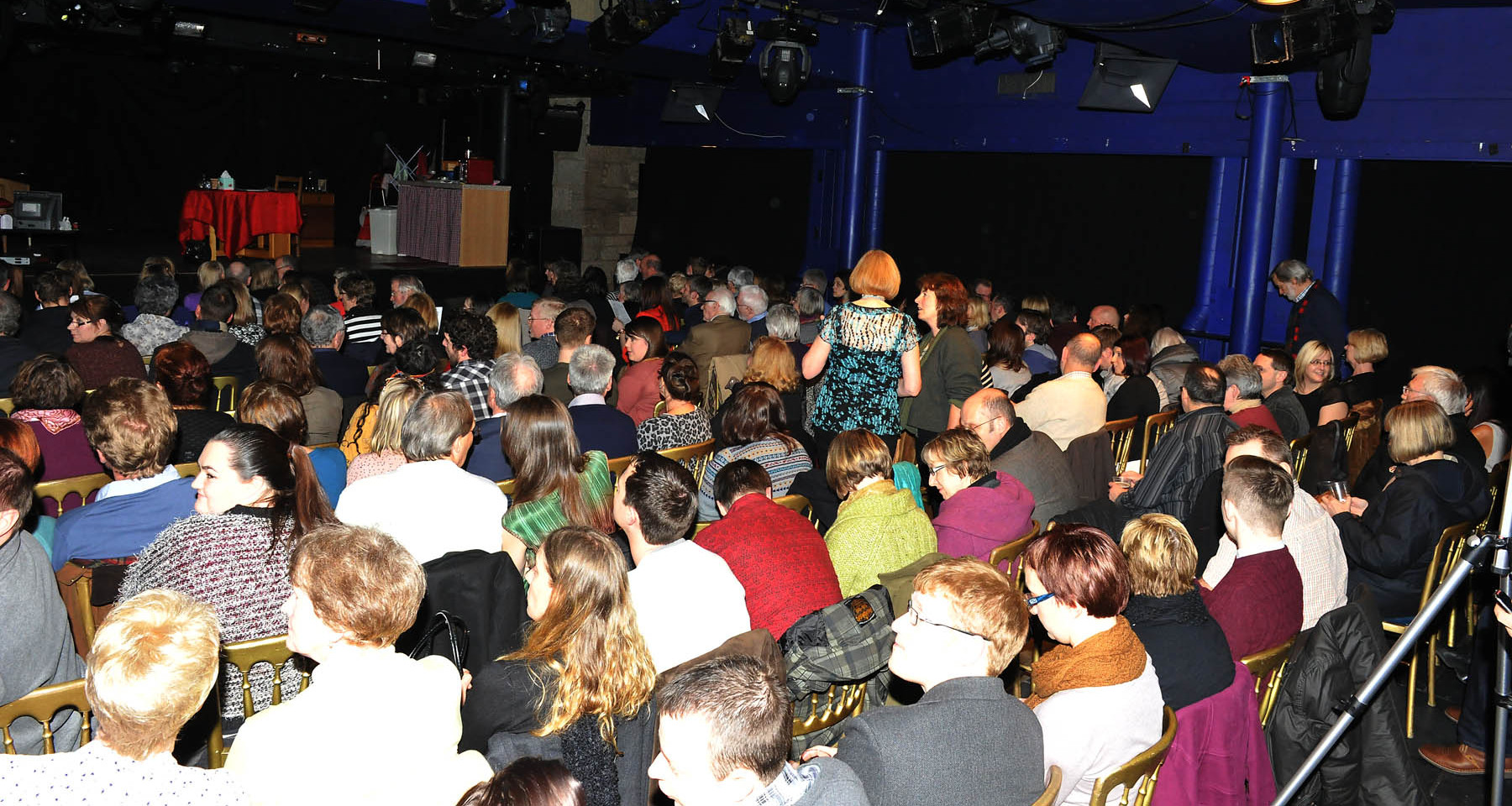 1e packed audience.jpg