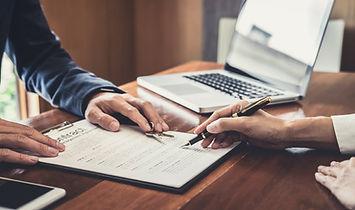 sales-manager-filing-keys-to-customer-af