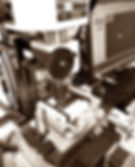 セルロイドメガネRUISMのセルロイド眼鏡制作の切削工程