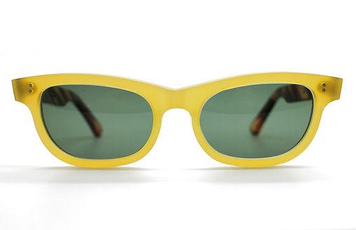 眼鏡ノ奥山のセルロイドサングラス004-YNの正面画像メガネとしても使用可能