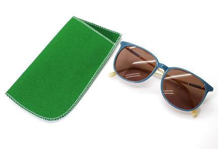 眼鏡ノ奥山からお届けするセルロイドメガネと保証書等の付属品一式