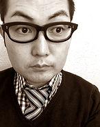 眼鏡ノ奥山のセルロイドメガネjフレームのデザイン設計者の奥山留偉