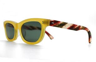眼鏡ノ奥山のセルロイドサングラス004-YNの斜め画像メガネとしても使用可能