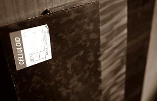 眼鏡ノ奥山がメガネ制作で採用しているセルロイド板