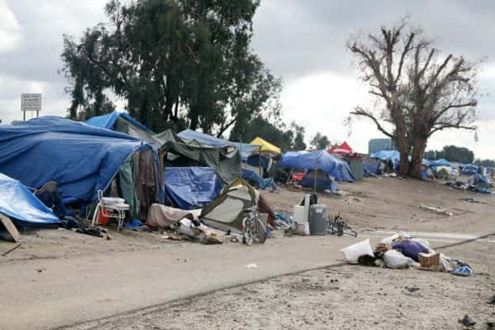 Homeless-Encampment-600x400.jpg