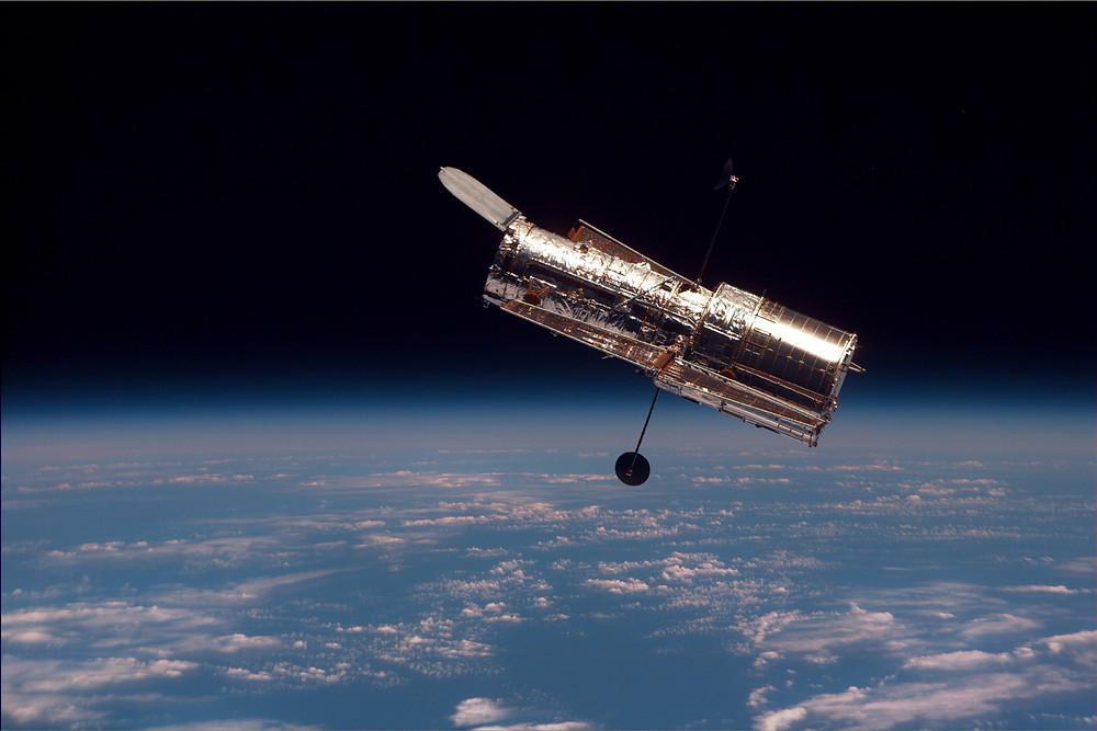 Telescopio Espacial Hubble visto desde la Estacion Espacial Internacional;    Foto:NASA