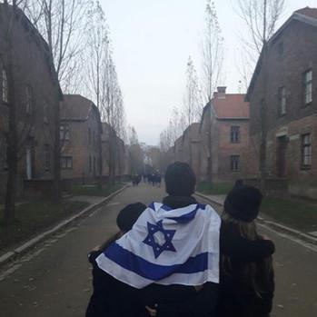 08 April, 2021: Yom Ha'Shoah -Remember & Never Again. AM ISRAEL CHAI!!