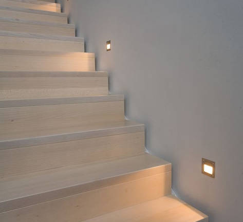 Eclairage orientation escalier
