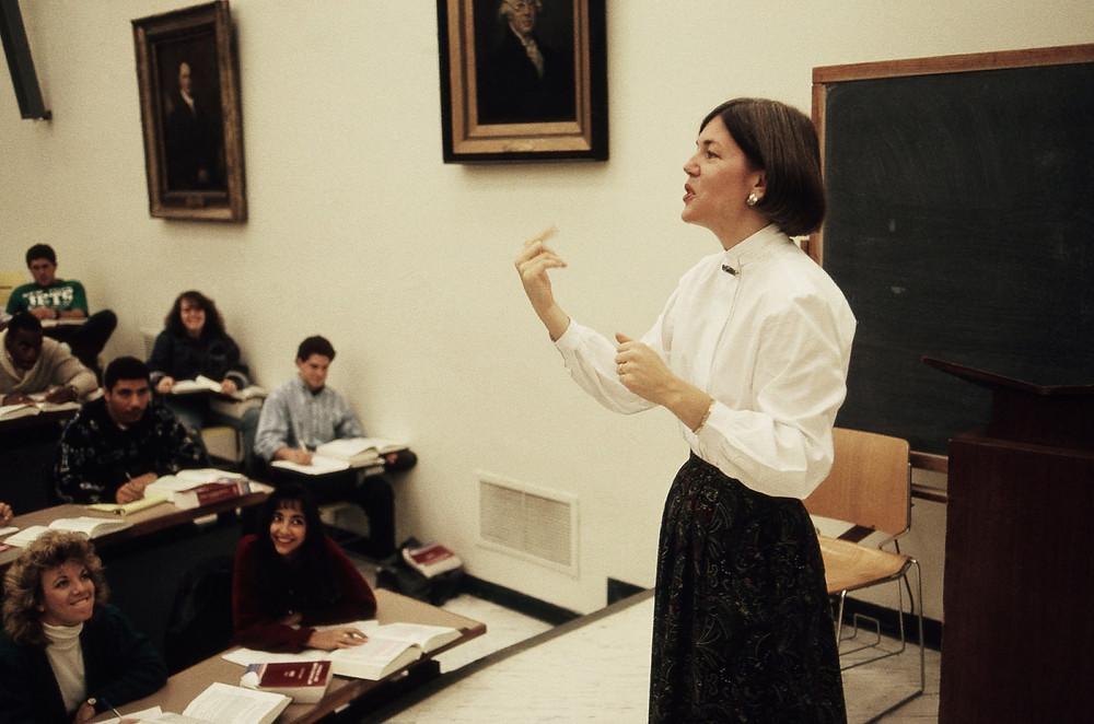 Prof. Elizabeth Warren teaching a class in bankruptcy law.