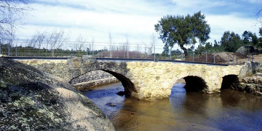 Ponte sobre a Ribeira da Venda   Bridge over Ribeira da Venda