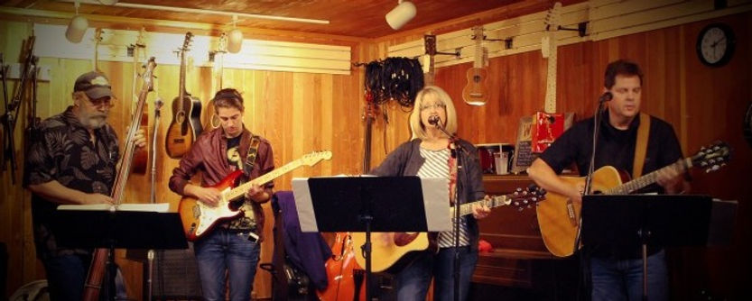 Cedar Creek Band (Bob Pallansch, Claire Altendahl, Claudia Pallansch, Jim Altendahl)