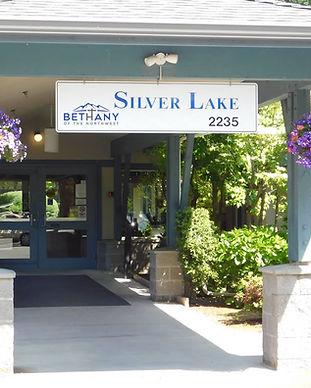 Silver-Lake-Entrance.jpg