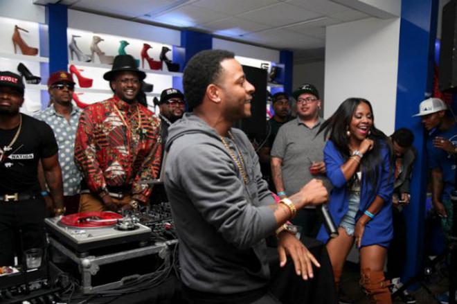 shiekh-shoes-hollywood-grand-opening-eric-bellinger-performing
