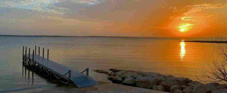 lake sunrise from park ramp july 2019.JP