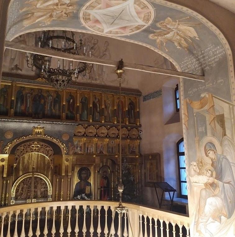 Рождество, арка между притвором и центральной частью храма