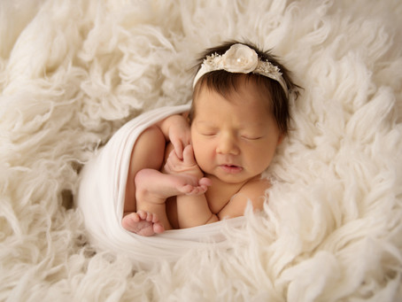 Durham Region Newborn Photographer | Baby Girl